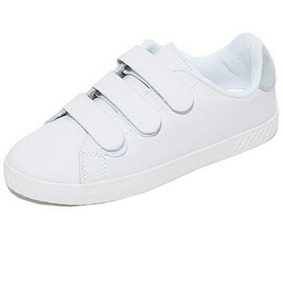 9322ca1406307 New Women's Tretorn Carry 2 Sneakers NWT